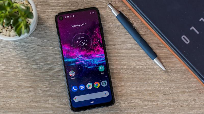 motorola one action review 2